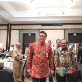 Dr.H.Soekarwo Gubernur Jatim Bersama Menteri Dalam Negeri Hadir Dalam Acara Rapat Koordinasi Nasional Camat Di Hotel Shangrilla Surabaya