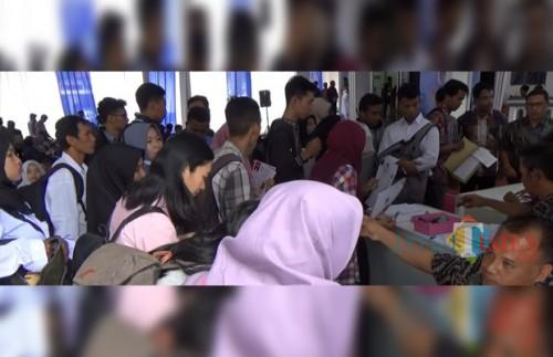 Suasana hari pertama Job Fair Pemkot Malang yang digelar di aula Skodam Brawijaya Malang. (Foto: Nurlayla Ratri/MalangTIMES)