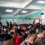 Khusyu, para jamaah salat jumat di Masjid Al Adnan Mall Dinoyo City Kota Malang untuk kali pertama. (Istimewa)