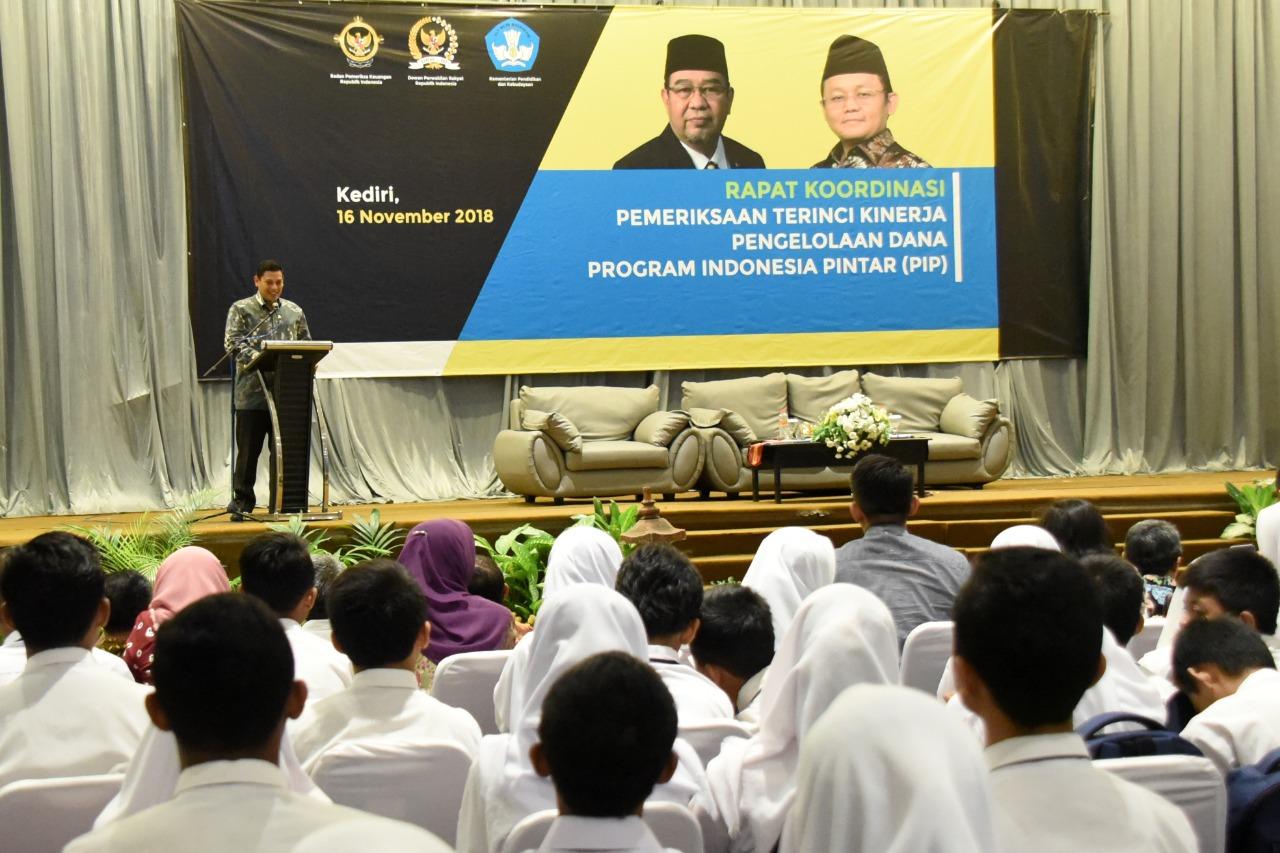 Walikota Kediri Abdullah Abu Bakar saat memberikan sambutan. (ist)