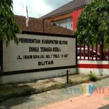 Kantor Disnaker Pemkab Blitar.(Foto : Team BlitarTIMES)