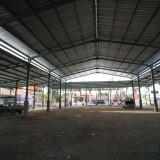 Pasar Kronong yang Mangkrak dan rencana pembangunannya akan dilanjutkan trahun depan  (Agus Salam/Jatim TIMES)
