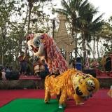 Penampilan barongsai di Festival Getah Getih Gula Klapa Candi Simping.(Foto : Team  BlitarTIMES)