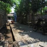 Drainase Gang Delima yang dibongkar. (Agus Salam/Jatim TIMES