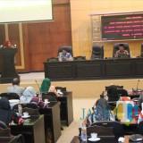 Suasan rapat paripurna mengenai nota penjelasan Bupati Jombang tentang 4 Raperda. (Foto : Adi Rosul / JombangTIMES)