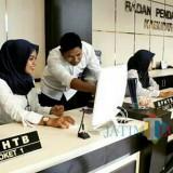 Petugas pelayanan pajak Bapenda Kabupaten Malang terus digembleng agar cerdas teknologi dalam melayani masyarakat (Bapenda for MalangTIMES)