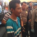 Rohmad Koerniawan pemilik akun Puji Ati saat diamankan Sat Reskrim Polres Tulungagung (Foto : Anang Basso / TulungagungTIMES)
