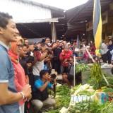 Cawapres Sandiaga Uno ketika mengunjungi Pasar Baru Lumajang (Foto : Moch. R. Abdul Fatah /  Jatim TIMES)
