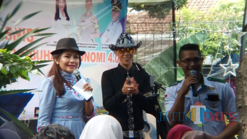 Diskusi HIPMI dihadiri oleh Owner Batik dari Jember (Foto : Moch. R. Abdul Fatah / Jatim TIMES)