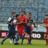 Pemain Arema FC saat menjalani pertandingan melawan Barito Putera (instagram)