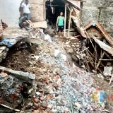 Rumah di Kota Batu Hanyut Karena Tanah Longsor Terbawa Aliran Sungai