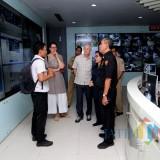 Perwakilan UNICEF ketika memantau ruang Command Center 112