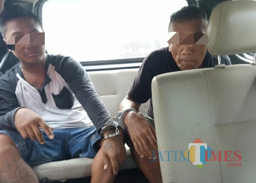 Dua terduga pelaku pembacokan di Ngunut diringkus. / Foto : Istimewa / Tulungagung TIMES