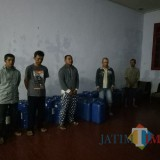 Para karyawan SPBU yang berkomplot jual BBM bersubsidi secara illegal