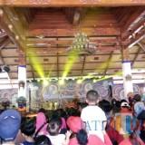 Luar biasa, rubuan penonton memenuhi area Taman Krida Budaya Jawa Timur  dalam Festival Jaranan Malang 2018, Minggu (2/12/2018). (Pipit Anggraeni/MalangTIMES).