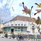 Salah satu bangunan kuno di Jl Panglima Sudirman, Kelurahan Ngaglik, Kecamatan Batu. (Foto: Irsya Richa/MalangTIMES)