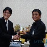 Kadishub Surabaya Irvan Wahyudrajat saat menerima perwakilan dari Lee Kuan Yew School