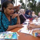 Salah satu kegiatan Posbindu PTM yang antusias diikuti warga (foto: Imarotul Izzah/MalangTIMES)