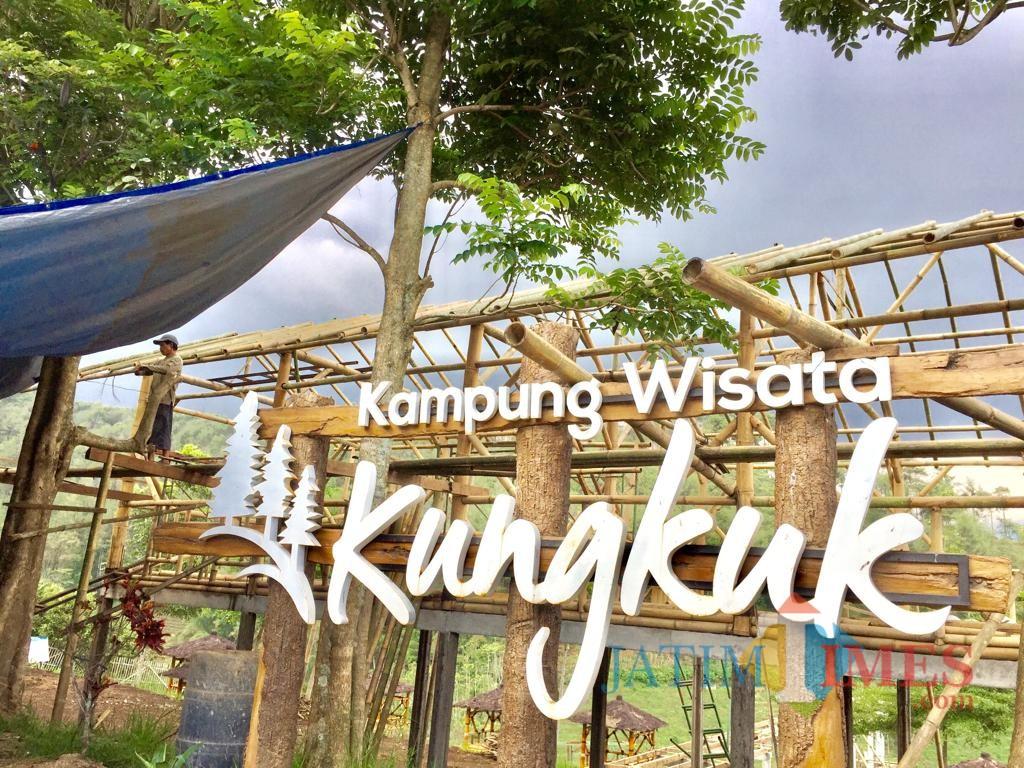 Area Kampung Wisata Kungkuk yang saat sedang proses pembangunan fasilitas bagi wisatawan di Dusun Kungkuk Desa Punten Kecamatan Bumiaji. (Foto: Irsya Richa/MalangTIMES)