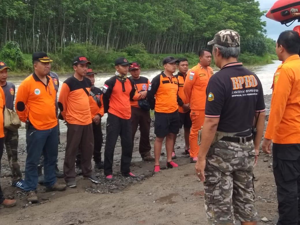 Tim pencari sedang di briefing  sebelum mencari Dodo beberapa waktu lalu (istimewa)