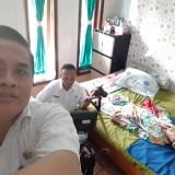Tim Dispendukcapil saat rekam E-KTP penderita stroke di Desa Jatitengah