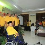 Plt Ketua DPD Partai Golkar Jatim Zainuddin Amali melantik atau mengukuhkan Bappilu Partai Golkar Kota Probolinggo. (Agus Salam/Jatim TIMES)