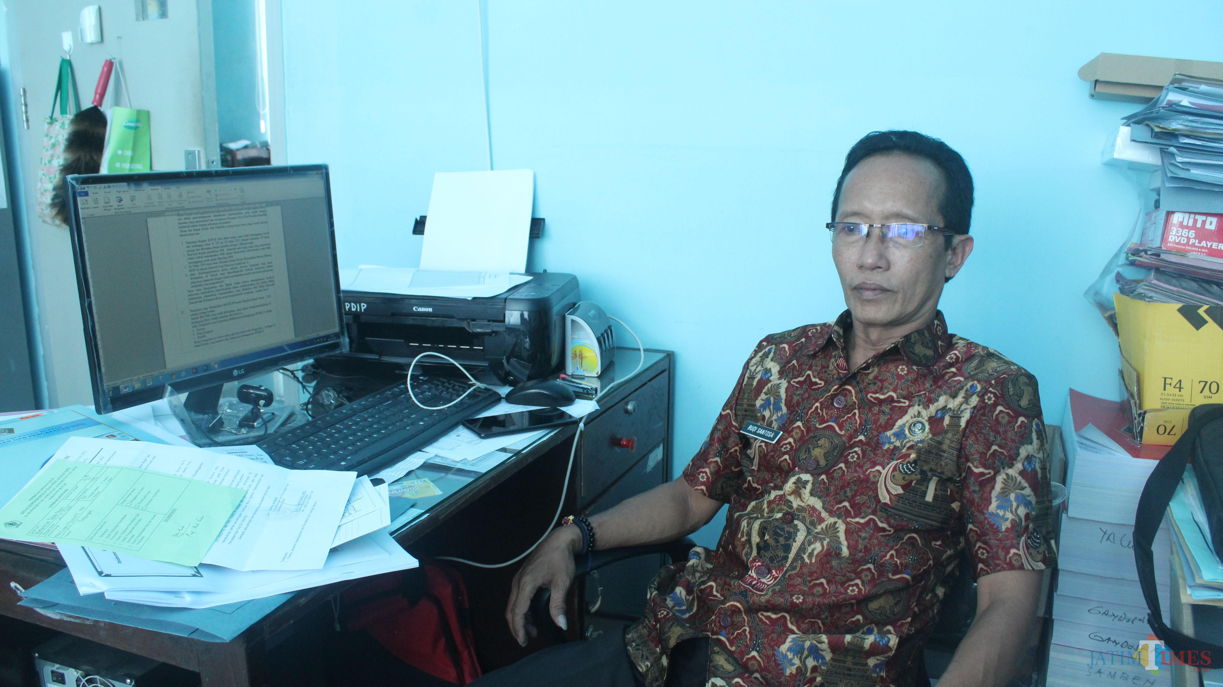 Budi Santosa, Kabid PDIP Dispendukcapil Kab Blitar.(Foto : Aunur Rofiq/BlitarTIMES)