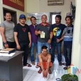 Sutris tersangka pencurian dengan kekerasan (Curas) saat diamankan polisi, Kecamatan Pakis (Foto : Humas Polres Malang for MalangTIMES)