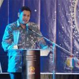 Wali Kota Kediri Abdullah Abu Bakar ketika memberikan sambutan setelah menerima penghargaan. (Foto: B. Setioko/JatimTIMES)