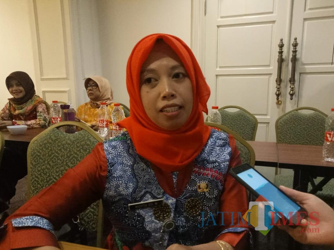 Kepala Seksi Kesehatan Keluarga dan Gizi Dinas Kesehatan Kota Malang Meifta Eti Winindar SST  MM (Foto: Imarotul Izzah/Malang Times)