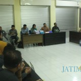 Tim Asesor BAN PT mewawancarai Alumni Unisba Blitar.(Foto : Aunur Rofiq/BlitarTIMES)