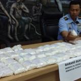 Sebanyak 50 ribu butir obat-obatan terlarang saat diamankan petugas di Bandara Abdul Rachman Saleh, Kabupaten Malang (Foto : Istimewa)