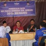 Pengurus DPC Partai Demokrat Kabupaten Jombang saat memberikan materi dalam pembekalan calon legislatif. (Foto : Adi Rosul / JombangTIMES)