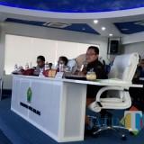 Wali Kota Malang Sutiaji (kenakan kacamata) saat menyampaikan masukan kepada OPD dalam Lelang Kinerja yang berlangsung di Ngalam Command Center (NCC), Sabtu (8/12/2018) (Pipit Anggraeni/MalangTIMES).