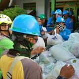 Pendistribusian bantuan dari PT. BSI kepada korban Banjir