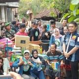 Wakapolres Kompol Andik Gunawan hadir di tengah para Netizen saat baksos di Gondang / Foto : Anang Basso / Tulungagung TIMES