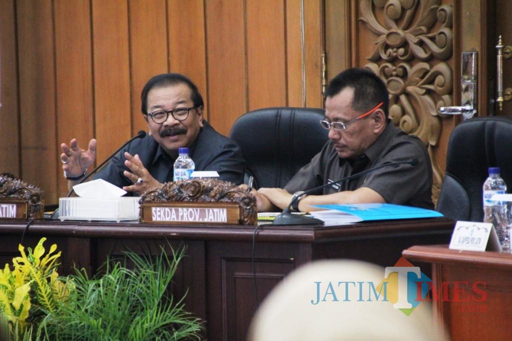 Gubernur Jatim Hadir Serta Membuka Acara Rapat Kerja Gubernur Di Kantor Bappeda Prov Jatim