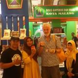 Bukan hanya meraih predikat the best dalam ajang Batam Fiesta 2018, produk UKM Kota Malang juga banyak diburu buyer asal luar negeri. (Humas Pemkot Malang for MalangTIMES).