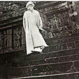 Rabindranath Tagore saat berada di Candi Borobudur tahun 1927. (Ist)