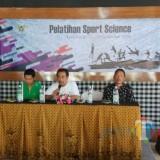 75 Guru Olahraga SD Se Kota Kediri diberikan edukasi bagaimana mencetak atliet. (Foto: B. Setioko/JatimTIMES)