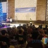 Maulid Nabi dan Silaturahmi Antar Umat Beragama dibuka dengan teatrikal puisi. (Foto: Pawitra/JatimTIMES)