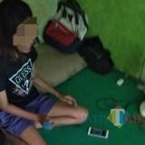 Korban YE saat di temui petugas / Foto : Istimewa / Tulungagung TIMES