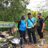 Harianto  beserta barang bukti saat diamankan polisi di Kecamatan Donomulyo. (Foto : Polsek Donomulyo for MalangTIMES)