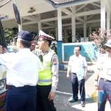 Kanan : Kadishub Kabupaten Malang Hafi Lutfi saat melakukan monitoring kendaraan umum di terminal Talangagung, Kepanjen (Nana)