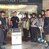 Patroli yang dilakukan oleh pihak Polrestabes Surabaya di Tunjungan Plaza