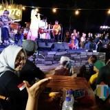 Suasana musik jazz saat launching wisata Plaza Rengganis di Desa Baderan, Kec Sumbermalang, Kab Situbondo, Jawa Timur (Foto Heru Hartanto / Situbondo TIMES)