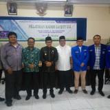 Wali Kota Malang, Sutiaji (empat dari kiri) bersama sejumlah pemateri dan pengurus PMII. (Anggara Sudiongko/MalangTIMES)