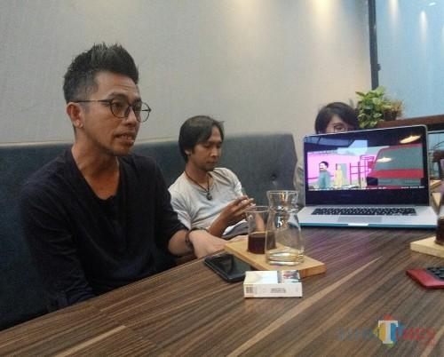 Sutradara Yongki Ongestu, Produser Aryanna Yuris dan Produser Eye Supryadi (foto: Imarotul Izzah/Malang Times)