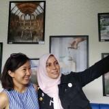 Peringati Hari Ibu, Komunitas Perempuan di Malang Pamerkan Foto-Foto Inspiratif