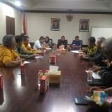 Rapat mendadak yang digelar Bupati Lumajang dan BPBD Jatim di Pemkab Lumajang (Foto : Moch. R. Abdul Fatah / Jatim TIMES)